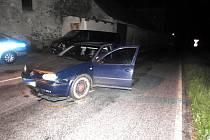 Řidič ujížděl policistům.