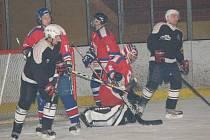 Hokejisté SKP Klatovy hodně zdramatizovali domácí odvetu s SKP Rokycany.
