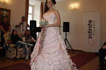 Přehlídka svatebních šatů na zámku Hrádek u Sušice