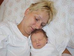 Petra Horníková z Kolovče (3470 gramů, 52 cm) se narodila v klatovské porodnici 25. června v 11.12 hodin. Rodiče Vladimíra a Peter přivítali očekávanou dcerku na svět společně. Na sestřičku doma čeká Ládík (4).