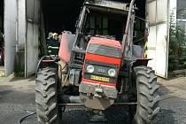 Požár traktoru v Přestanicích.