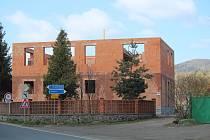 Stavba domova pro seniory v Dolanech.