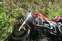 Nehoda motocyklu u Dlouhé Vsi.
