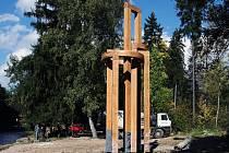 Na ostrově Santos v Sušici stojí nová zvonice