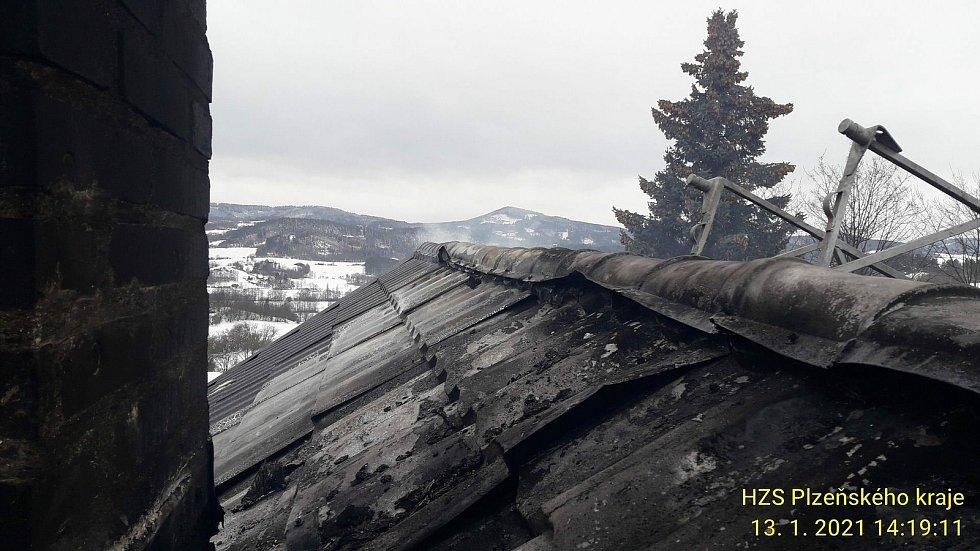 Požár rodinného domu ve Strašíně.
