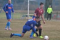 Filip Irlbek (v modrém vpředu) patří mezi talentované hráče Okuly.