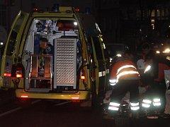 V Klatovech srazilo na přechodu auto chodkyni.