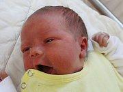 Matěj Gřonka zKlatov (3115 g, 47 cm) se narodil vklatovské porodnici 17. října v4.17 hodin. Znarození chlapečka se radují rodiče Jana a Jaroslav.