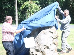 Odhalení pamětního kamene na spisovatele Josefa Blaua se konalo v Nýrsku