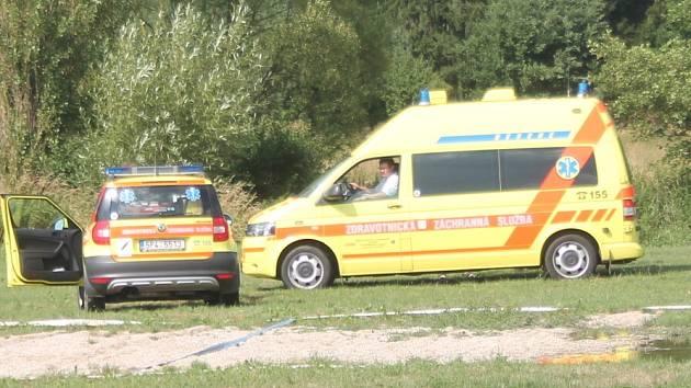Parašutista byl předán do péče záchranářů