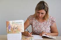 Lucie Oudová a její kniha Dary Pošumaví.