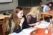 V gymnáziu v Sušici se ve středu konalo krajské kolo 23. ročníku Dějepisné soutěže gymnázií České a Slovenské republiky,