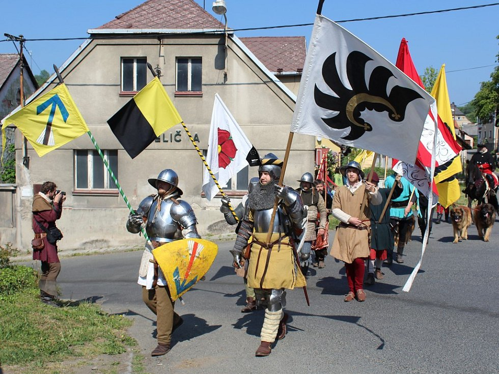 Karel IV. slavil ve Velharticích narozeniny.