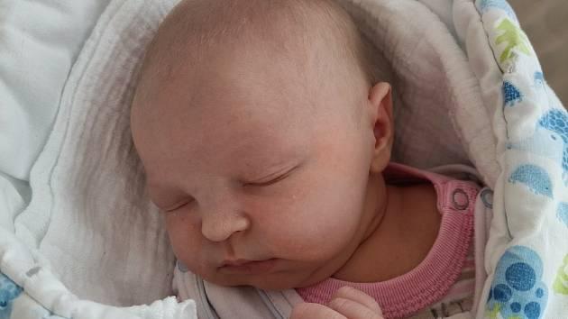 Eliška Belfínová z Nýrska se narodila 5. května v 11:35 hodin v klatovské porodnici (51 cm, 3450 g) rodičům Lucii a Tomášovi. Doma se na holčičku těší tři sourozenci: Kryštof, Terezka a Oliver.