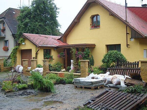 Janovice, Dolní Lhota, neděle 28. června dopoledne