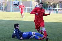 Krajský přebor 2016/2017: FK Okula Nýrsko (červené dresy) - SK Slavia Vejprnice 1:1