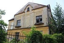 Dům v Nádražní ulici (poblíž Bidla) v Klatovech.