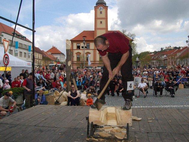Soutěž dřevorubců v Sušici.