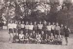 I v chmurných válečných  dobách se sportovalo – DTJ, oddíl dívek 1943.