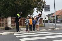Městská policie v Sušici učila děti přecházet.