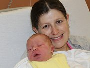 Jakub Opl z Bližanov (3960 g, 52 cm) se narodil v klatovské porodnici 2. prosince v 16.13 hodin. Rodiče Renata a Jan si nechali pohlaví miminka jako překvapení až na porodní sál. Na brášku doma čeká Eliška (4).
