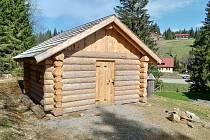 V rámci projektu bylo vybudováno centrum dřevařství v Neuschönau či zřízena venkovní expozice dřevařství v Modravě.