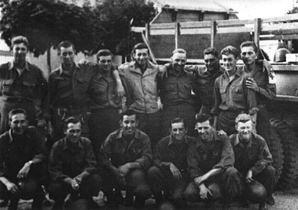 Vojáci roty B 150. ženijního praporu v Sušici, zaujali je i tamní kroje.