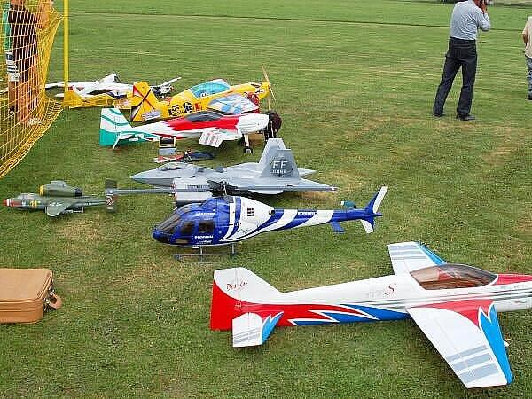 Sraz leteckých modelářů v Bolešinech