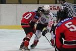 Krajská liga dorostu: HC Klatovy (v bílém) - HC Strakonice 2:4.