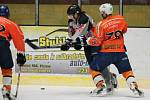 Šumavská liga amatérského hokeje: AHC Vačice (oranžové dresy) - HC Vizi Auto 6:4