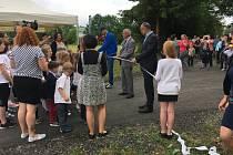 Nová cyklostezka byla nyní slavnostně otevřena v Mochtíně na Klatovsku.