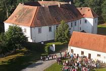 Setkání žáků školy v Chanovicích v září 2020.