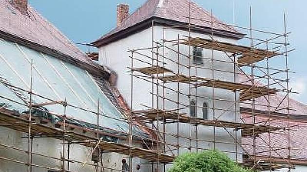 Rekonstrukce tvrze v Dešenicích