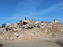 Objekt bývalé mlékárny v Klatovech se majitel rozhodl zbourat.