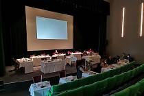 Zasedání zastupitelstva v Sušici 21. července, kdy se mělo jednat o vyhlášení referenda.