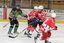 Krajská liga dorostu: HC Klatovy (v červeném) - HC Domažlice 10:3.