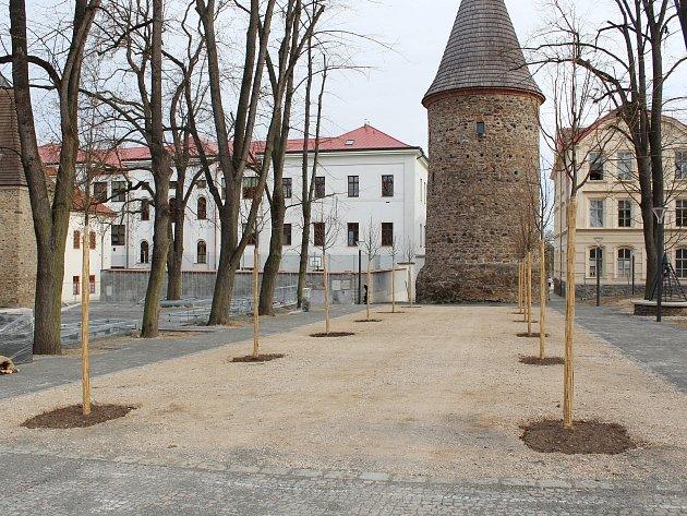 Úpravy ve Vrchlického sadech v Klatovech.