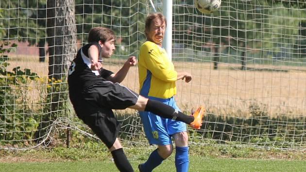 V přátelském zápase vyhráli současní hráči Chudenic nad bývalými 11:4.