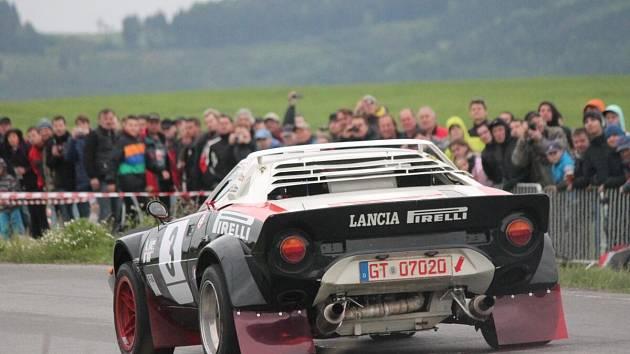 První rychlostní zkouškou 23. Historic Vltava Rallye byl tradičně Klatovský okruh.