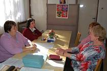 Volební místnost v Ostřeticích