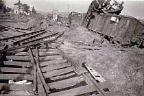 Rozbombardované klatovské nádraží.