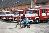 Sraz hasičských avií ve Volšovech