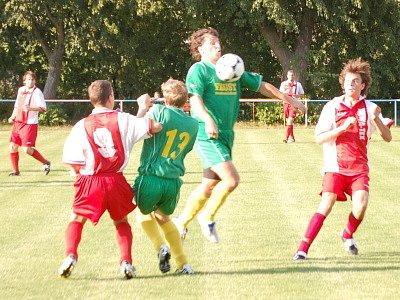 Ve středečním přípravném utkání vyhrál domácí Strážov (zelená) nad Sušicí