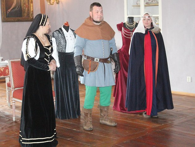 V zámku v Chudenicích se konaly prohlídky plné módy.