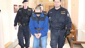 Klatovský soud poslal vraha do vazby