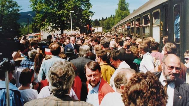 Otevření nádraží v Alžbětíně před 30 lety.