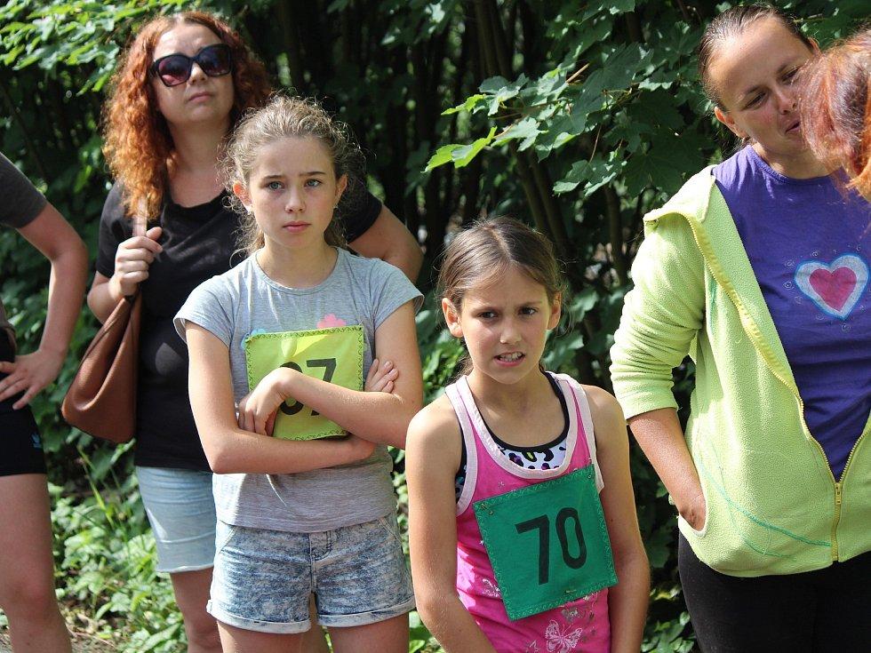 Desátý ročník Běhu zelenským údolím v Zelené Lhotě