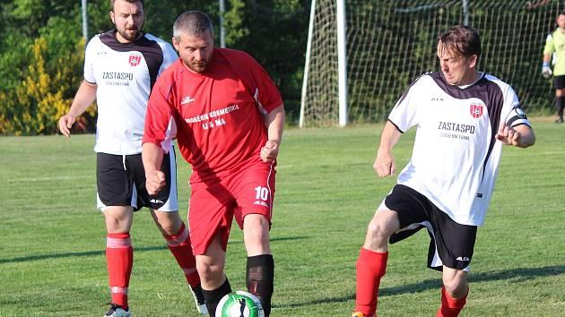 IV. třída 2017/2018: Zavlekov (bílé dresy) - Hradešice B