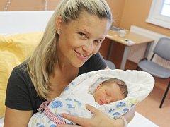 Daniel Křesťan z Klatov (3590 g, 53 cm) se narodil v klatovské porodnici 10. června v 11.28 hodin. Rodiče Dana a Miloš věděli, že se jim narodí syn, kterého přivítali na světě společně. Na brášku se těší Adam (7).