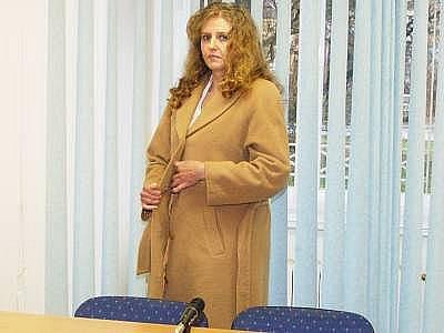 Obžalovaná Eva Heřmanová před začátkem hlavního líčení.